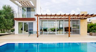 3 Bedroom Villa of 270m² in Esentepe