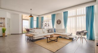 3 Bedroom Penthouse of 140m² in Long Beach