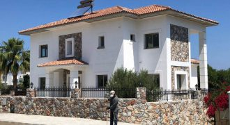 5 Bedroom Villa of 280m² on 800m² Plot in Alsancak